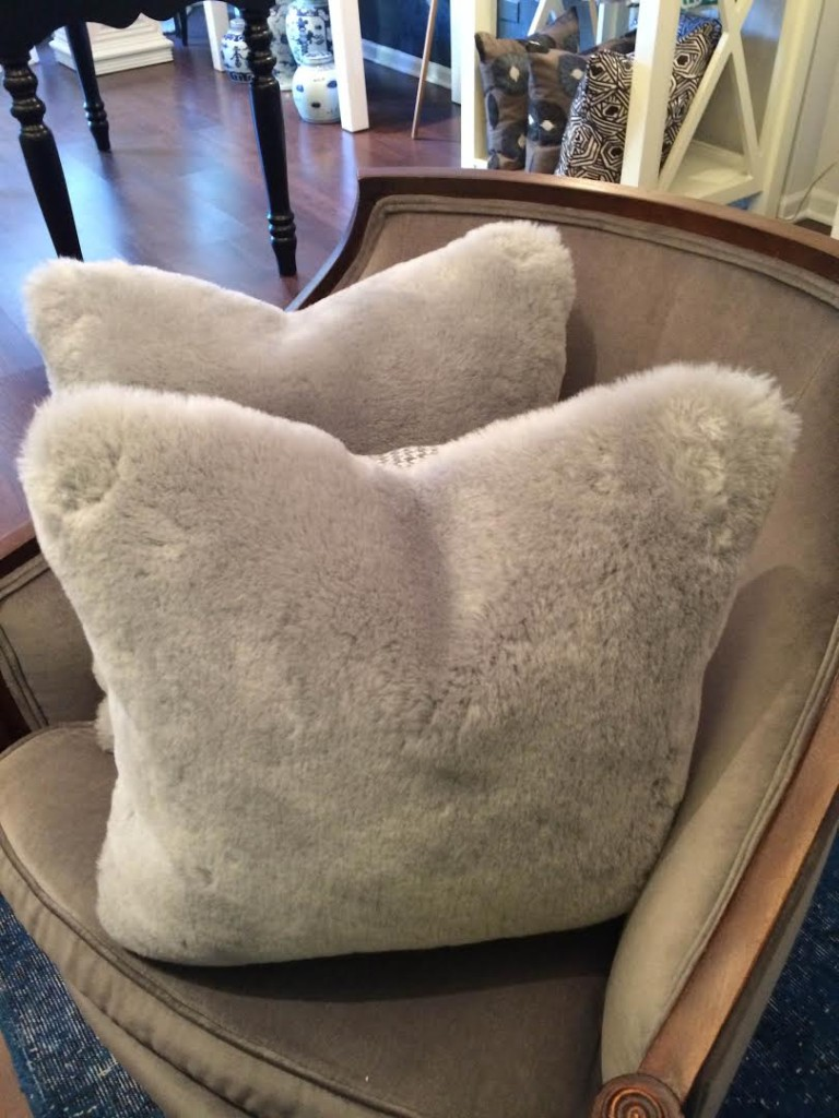Sheepskin_Pillow